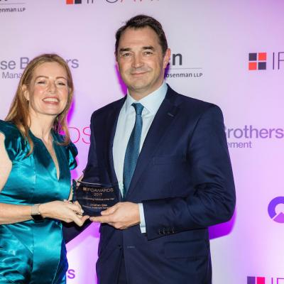 Jonathan Giles was awarded Outstanding Individual of the Year at 2017 Citywealth IFC Awards. With Karen Jones, CEO, Citywealth.